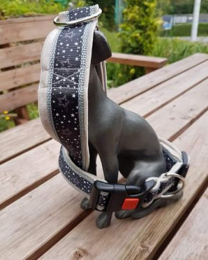 Halsband Sterne grau
