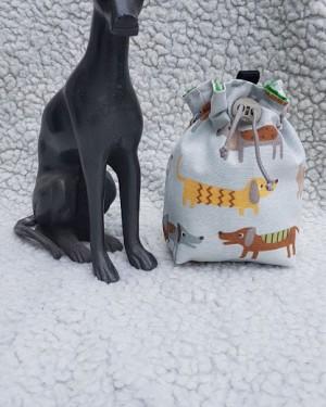 Hundeleckerlibeutel Dackel gruen